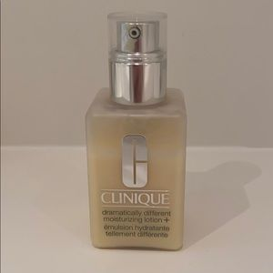 Clinique Dramatically Different Moisturizer Lotion
